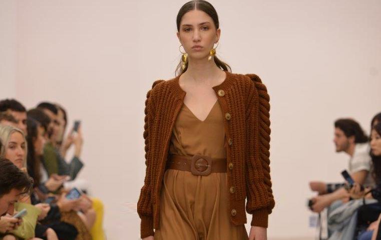 أهمّ صيحات الموضة اكتشفناها خلال عرض LIYA في تبليسي لخريف وشتاء 2019